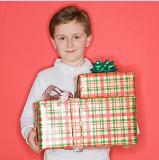 Можно дарить подарки мужчинам